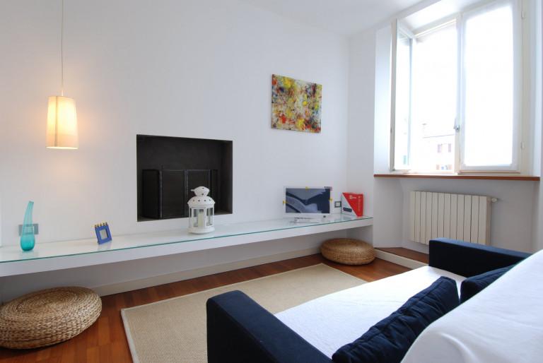 Apartamento de 1 quarto para alugar na Via Paolo Sarpi, Chinatown
