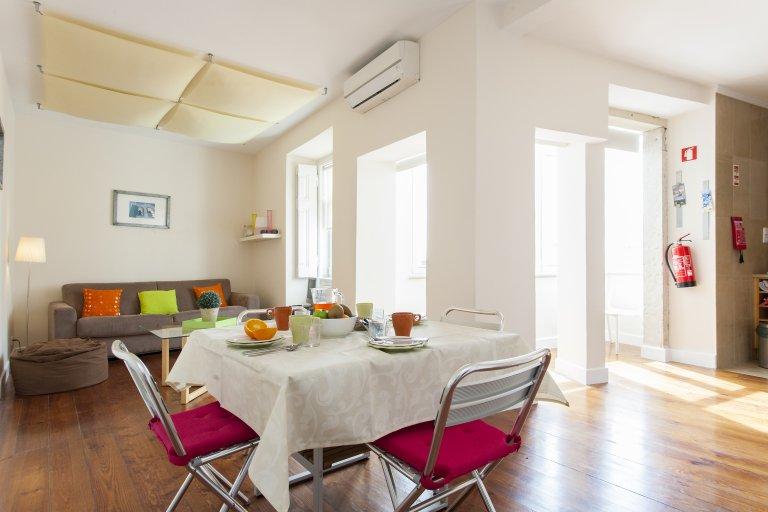 1-Zimmer-Wohnung zur Miete in Estrela, Lissabon