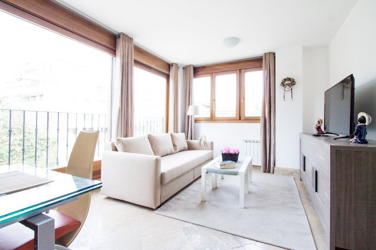 Apartamento de 3 quartos brilhante para alugar em Hortaleza, Madrid