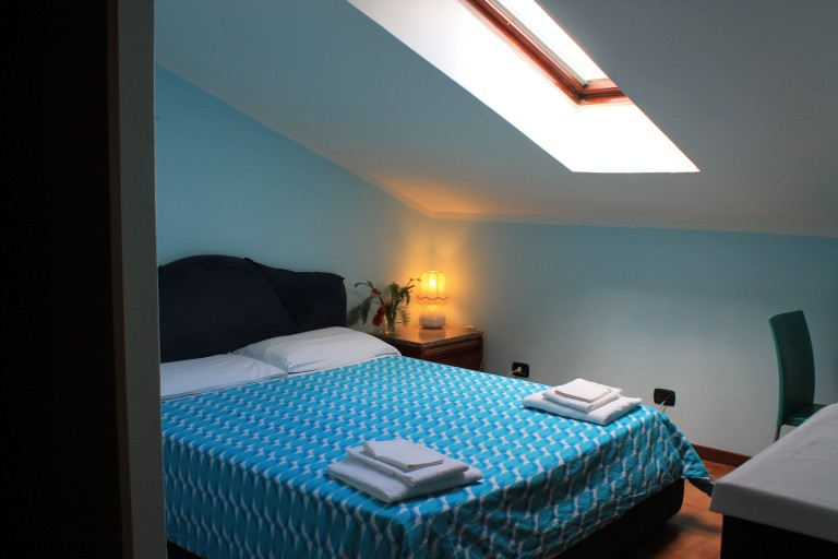 Padova, Milano'da 3 yatak odalı dairede dış oda