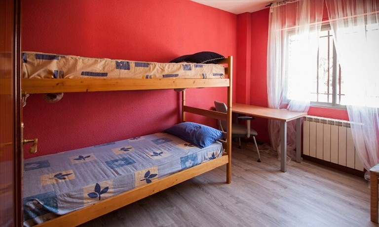 Bedroom 4 with bunk bed