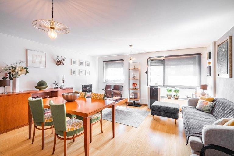 Appartamento con 3 camere da letto in affitto a Braço de Prata, Lisbona