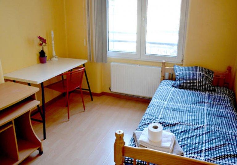 Quarto com chuveiro privado na residência, Saint Josse, Bruxelas