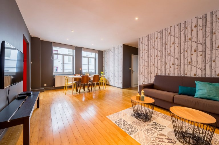 Spacious 2-bedroom apartment for rent in Sablon, Brussels