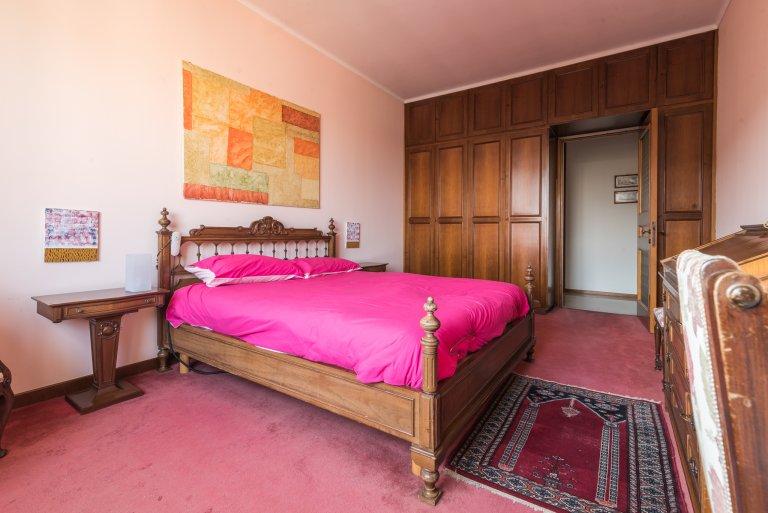 Kiralık lüks oda, 7 yatak odalı daire, San Siro