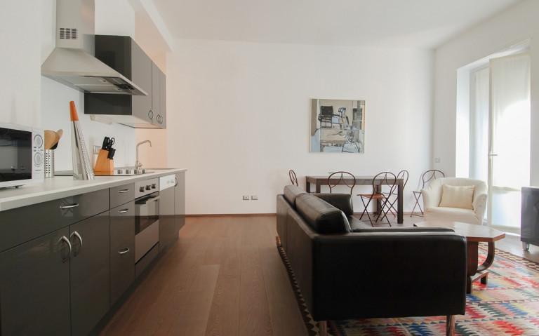 Apartamento de 1 quarto para alugar - centro histórico, Milão