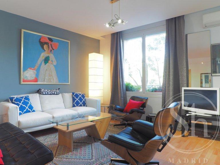 Apartamento de 3 quartos brilhante para alugar em Ríos Rosas, Madrid