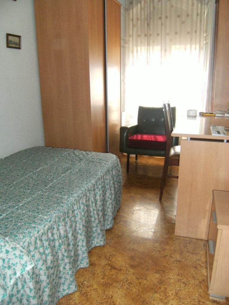 Room 5: Single Bedroom