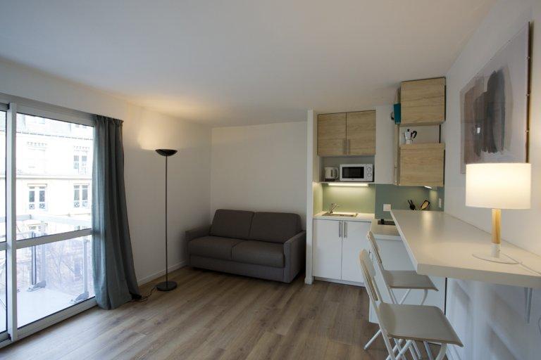 Studio à louer dans le 18e arrondissement, Paris