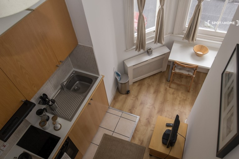 Brand new studio flat to rent in Kensington, London