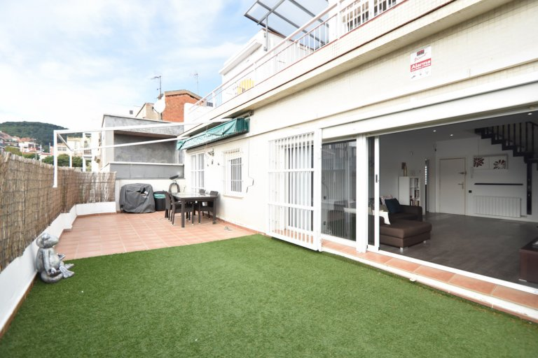 3-bedroom apartment for rent in Guinardó, Barcelona