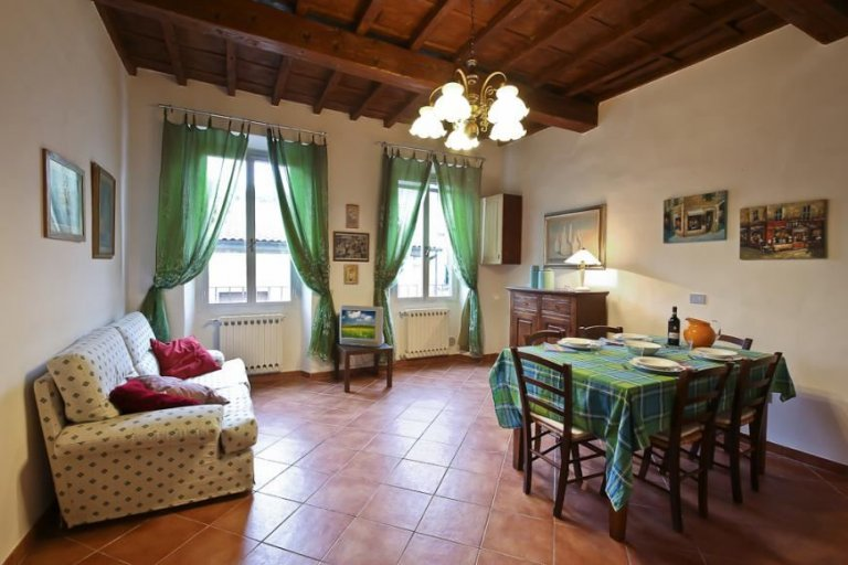 2-bedroom apartment for rent in San Frediano, Florence
