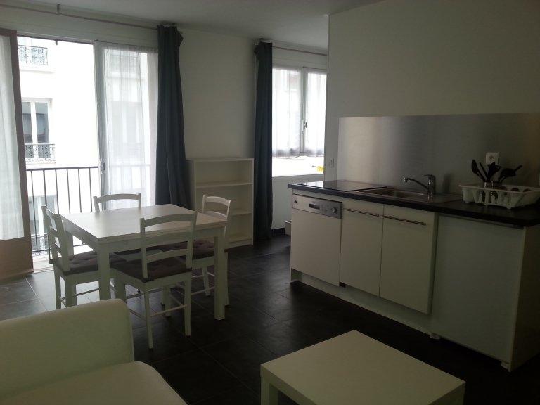 Studio apartment for rent in Les Amandiers, Paris