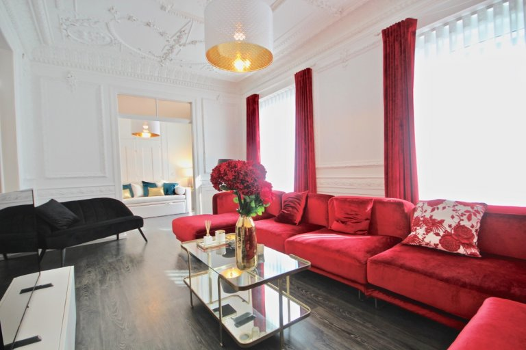 Chic 3-bedroom apartment for rent  in Campolide, Lisbon