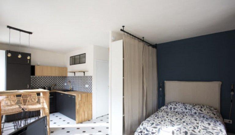 Studio apartment for rent in Montmartre, Paris