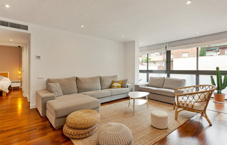 Stylish 2-bedroom apartment for rent in Sarrià, Barcelona