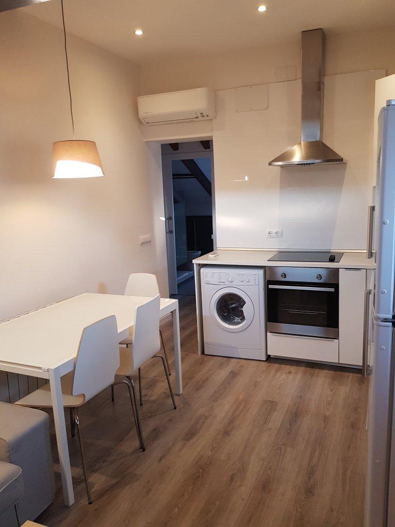 1-pokojowe mieszkanie do wynajęcia w Almagro i Trafalgar