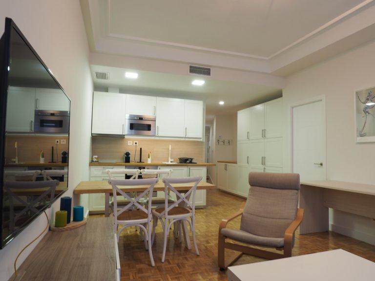 Apartamento com 2 quartos para alugar em Malasaña