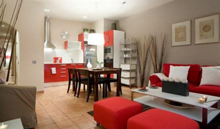 Apartamento de 2 quartos para alugar em Ciutat Vella, Barcelona