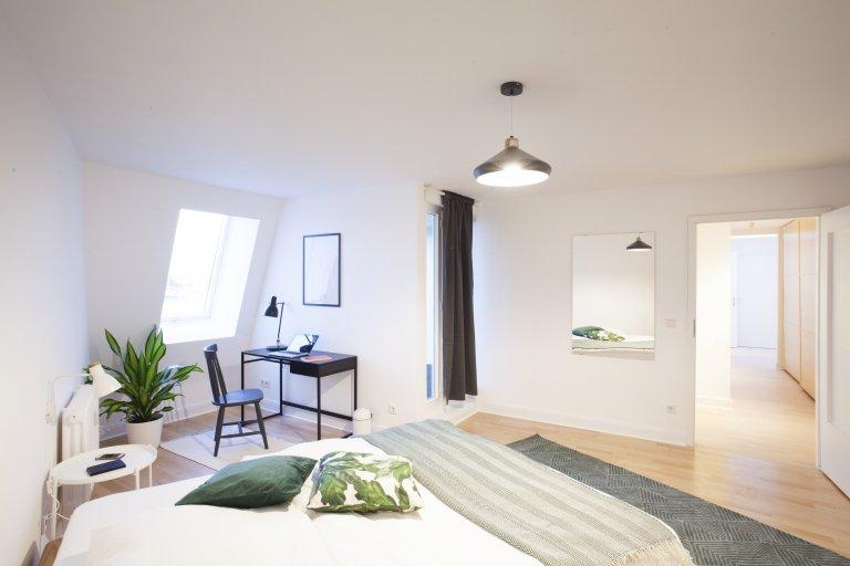 Zimmer, Wohnung mit 6 Schlafzimmern, Charlottenburg