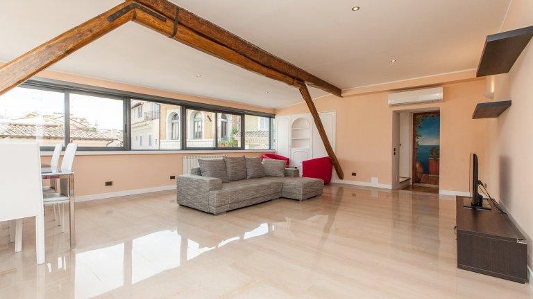 Wunderschöne 2-Zimmer-Wohnung zur Miete in Centro Storico
