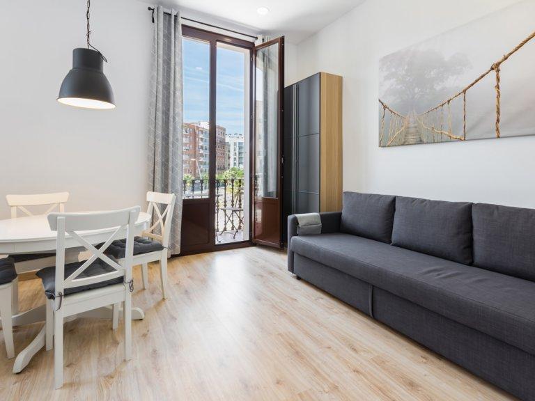 Stylowy 2-pokojowy apartament do wynajęcia w Poblenou, Barcelona