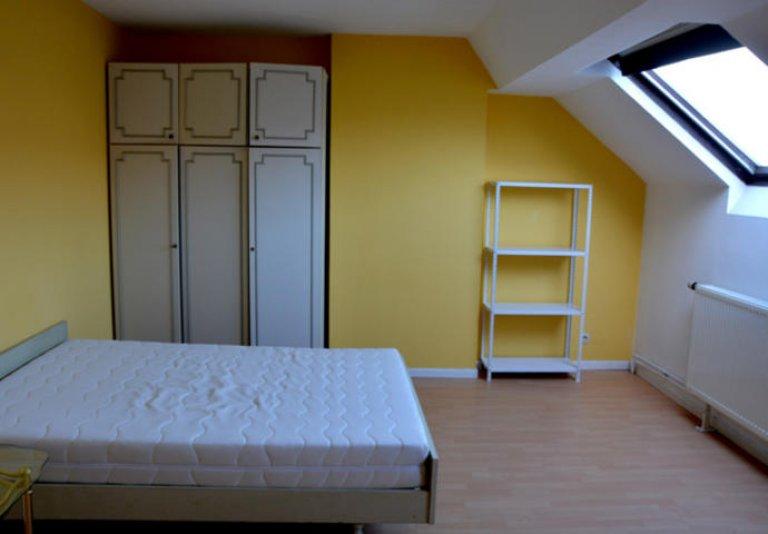 Habitación en una residencia en Schaerbeek, Bruselas