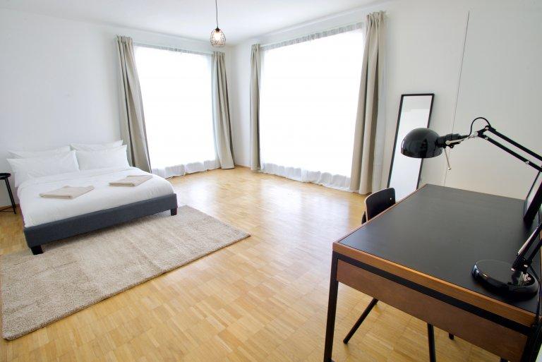 Pokój do wynajęcia w apartamencie z 8 sypialniami w Prenzlauer