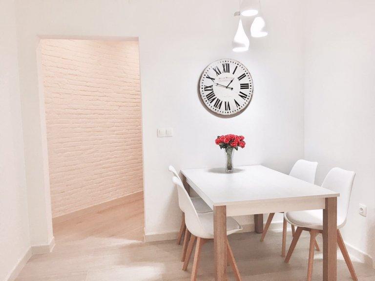Stunning 4-bedroom apartment for rent in trendy San Martí neighborhood