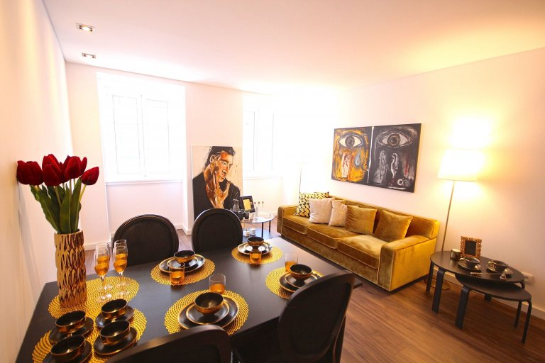 Apartamento de 2 quartos para alugar em Santo António, Lisboa
