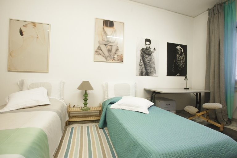 Chambres à louer à 4 chambres à Tuscolano, Rome