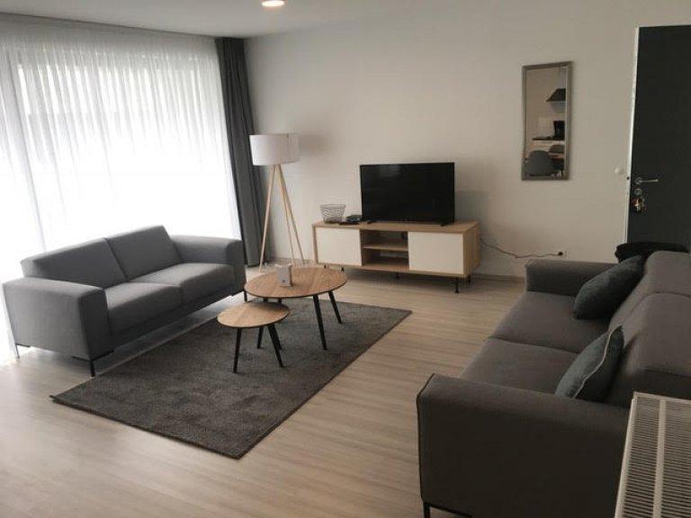 Stylowy 2-pokojowy apartament do wynajęcia w Saint Josse