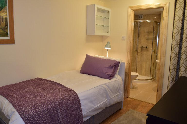Single Bed in Rooms for rent in spacious 4-bedroom house in Castleknock