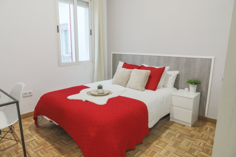 Lovely room for rent in Delicias, Madrid