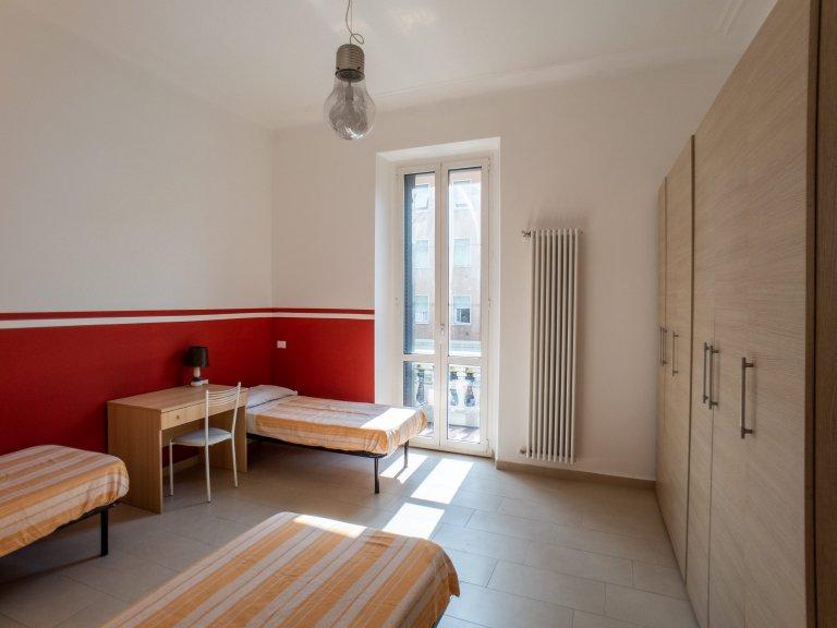 Camas em apartamento de 1 quarto para alugar em Morivione, Milão