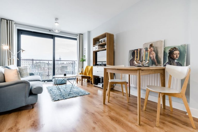 1-bedroom flat with balcony for rent in Lambeth, zone 2