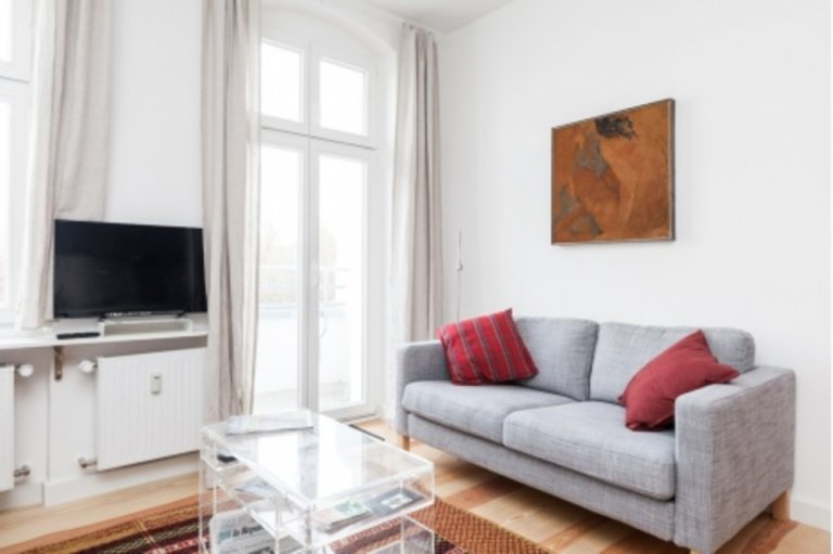 2-bedroom apartment with balcony to rent in Friedrichshain