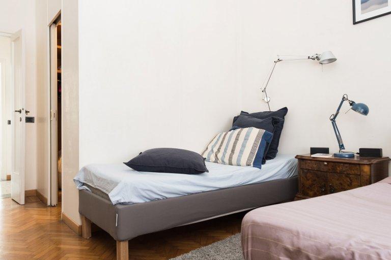 Solari'de ortak odalı, 1 yatak odalı dairede kiralık yataklar