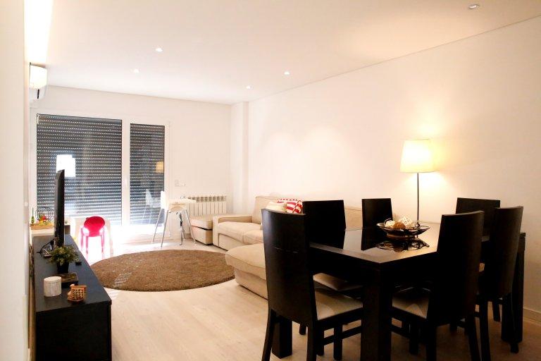 Stylish 2-bedroom flat with terrace in Sacavém, Lisbon