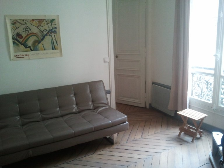 Pokój we wspólnym mieszkaniu w Paryżu