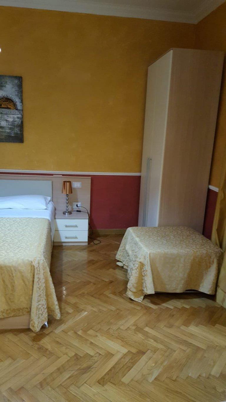Chambre à louer dans un appartement de 4 chambres à Trieste / Nomentano