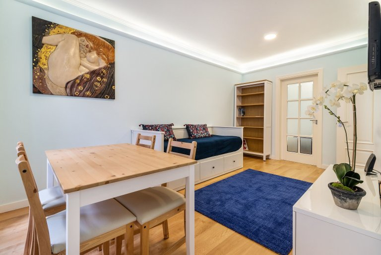 Lizbon, Principe Real'de kiralık 2 yatak odalı daire