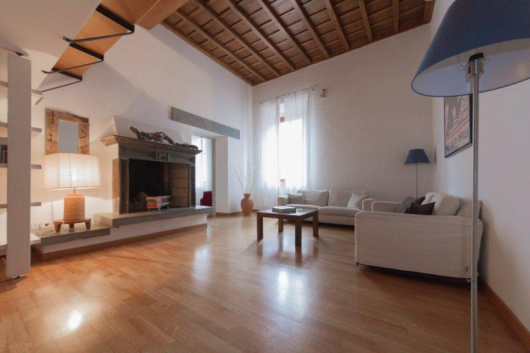 Appartement 4 chambres à louer à Centro Storico, Rome
