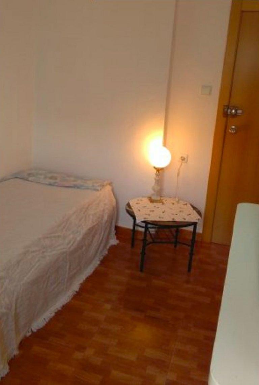 Pokój w apartamencie z 4 sypialniami w Benicalap w Walencji