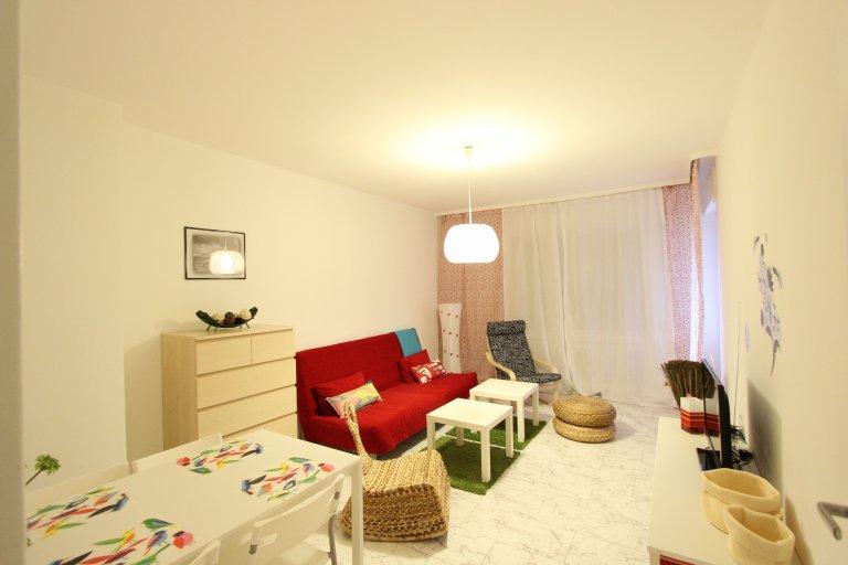 Przestronny pokój w apartamencie z 3 sypialniami w Kreuzberg w Berlinie