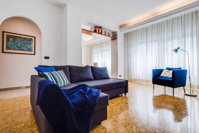 Appartement de 3 chambres à louer à Prati, Rome
