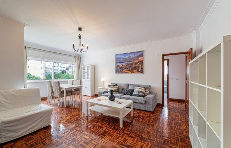 Appartamento con 3 camere da letto in affitto ad Amadaro, Lisbona.