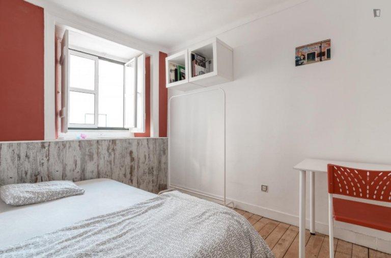 Pokój we wspólnym mieszkaniu w Lizbonie