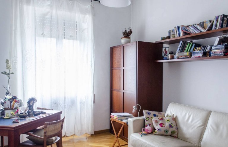 Room in 2-bedroom apartment in San Giovanni, Rome