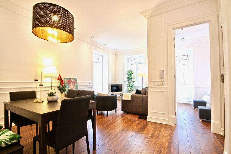 Fabulous 2-bedroom apartment for rent in Campolide, Lisbon